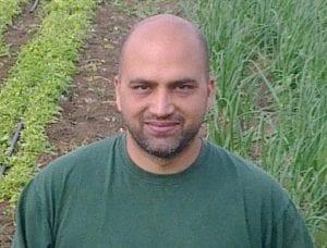 דוד עובדיה - מייסד ומנהל קשרי חקלאים
