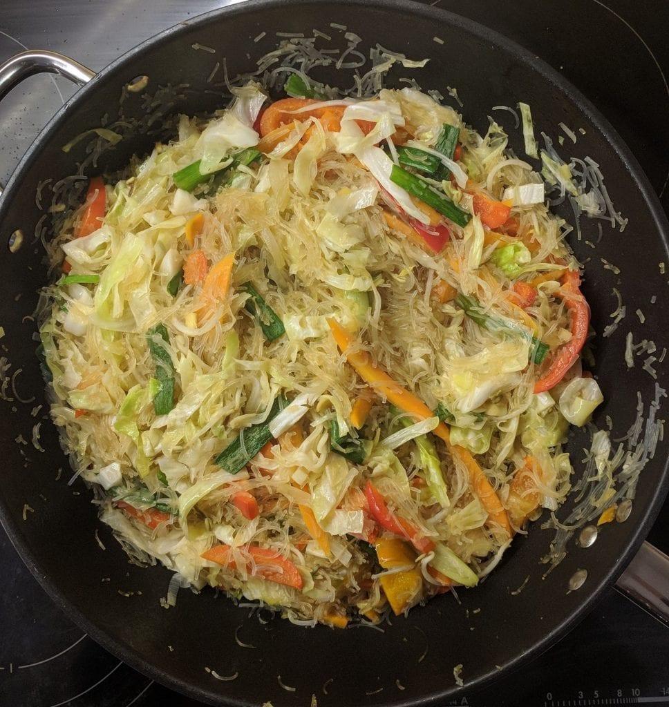 אטריות שעועית עם ירקות
