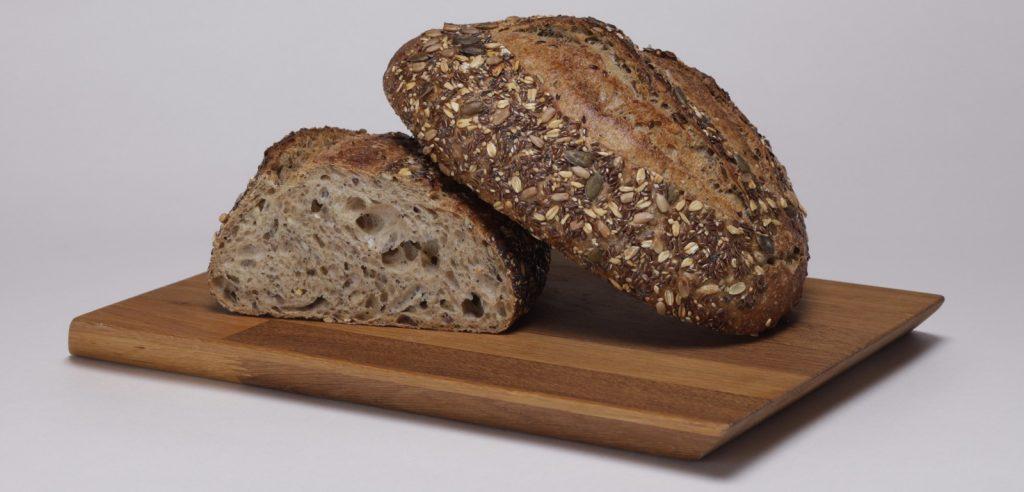 לחם כפרי דגנים
