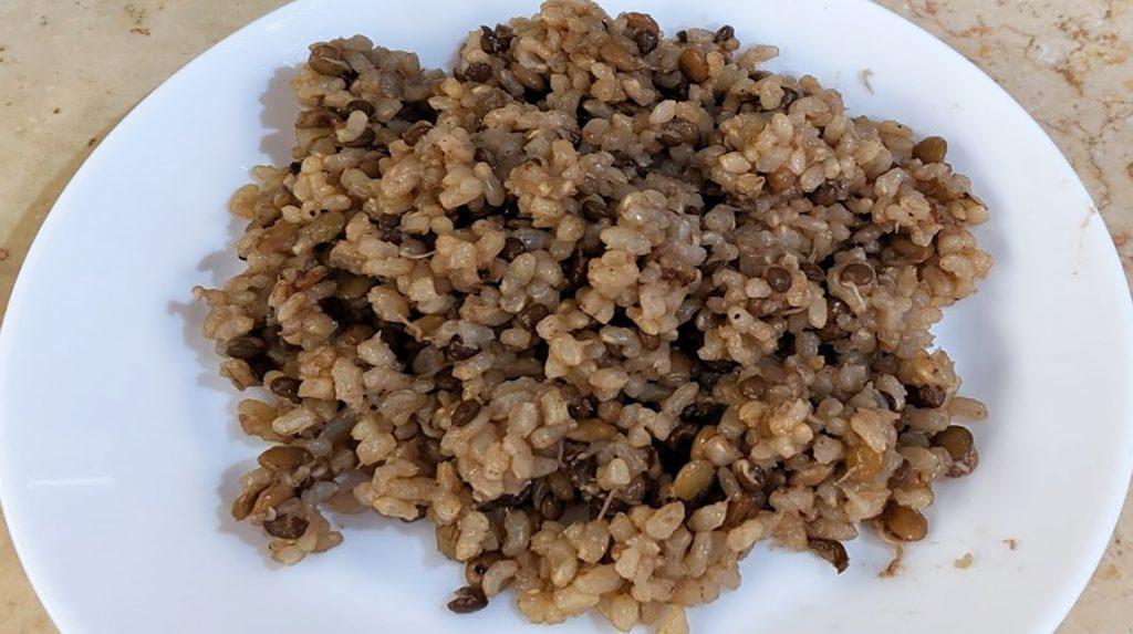 מג'דרה אורז מלא עם נבטוטים
