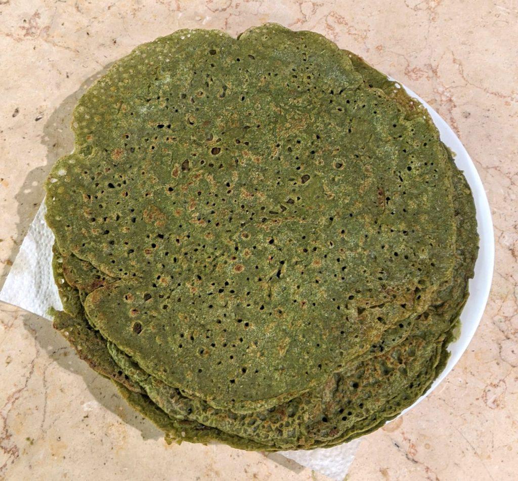 טורטיות כוסמת ירוקה עם קייל